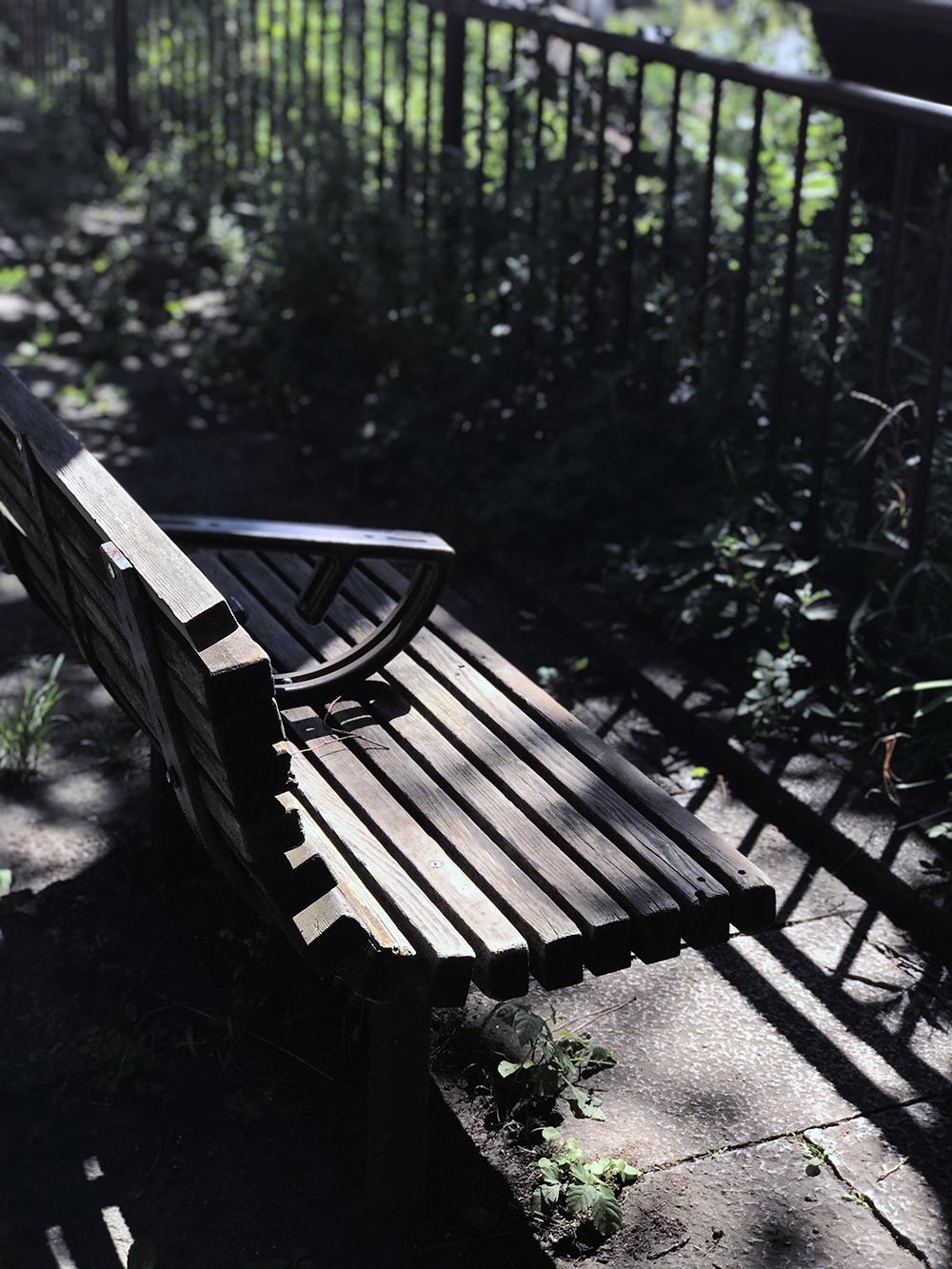 外濠公園のベンチ