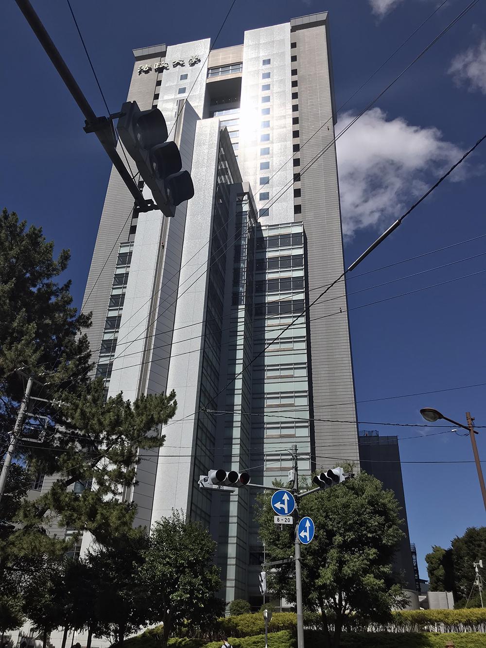 再開発されて立派になった飯田橋駅前