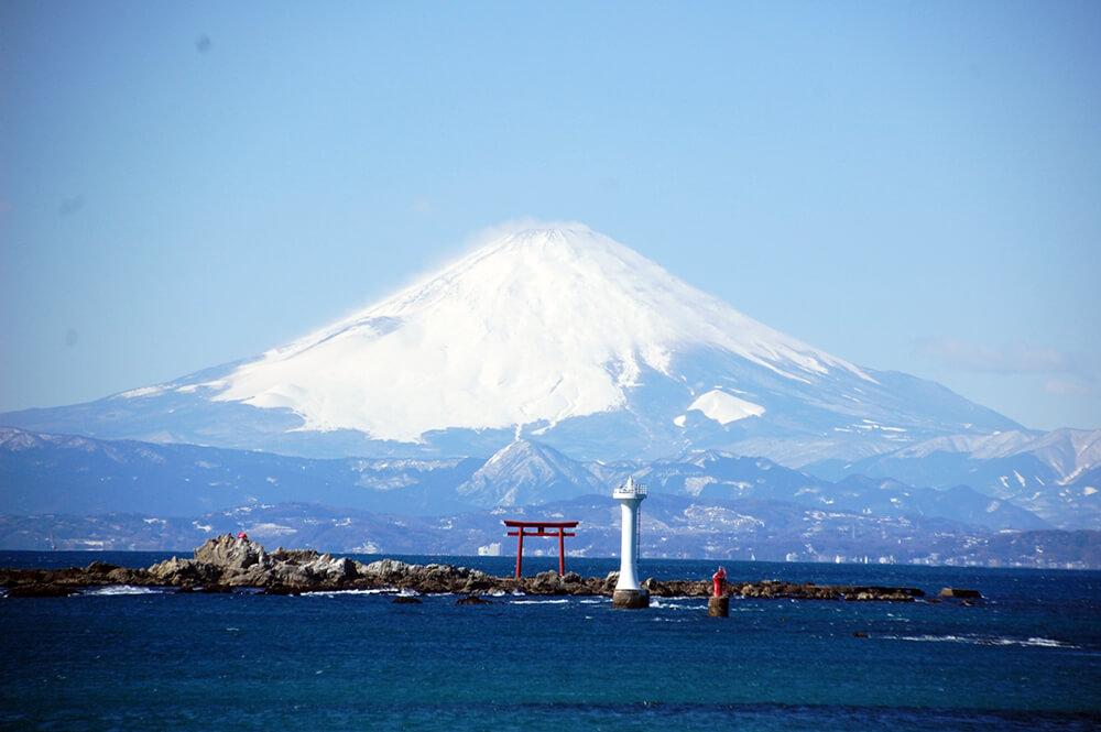 富士山と裕次郎灯台