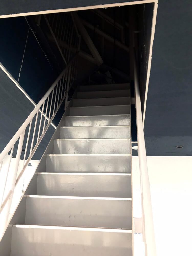 展望台までの階段