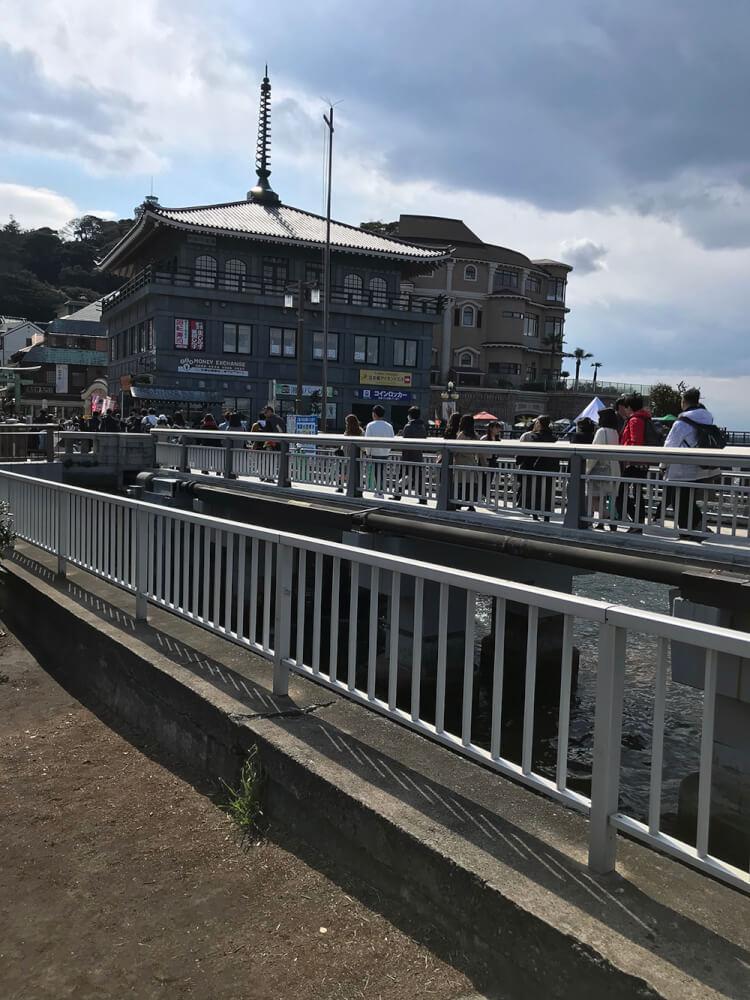 混雑の桟橋