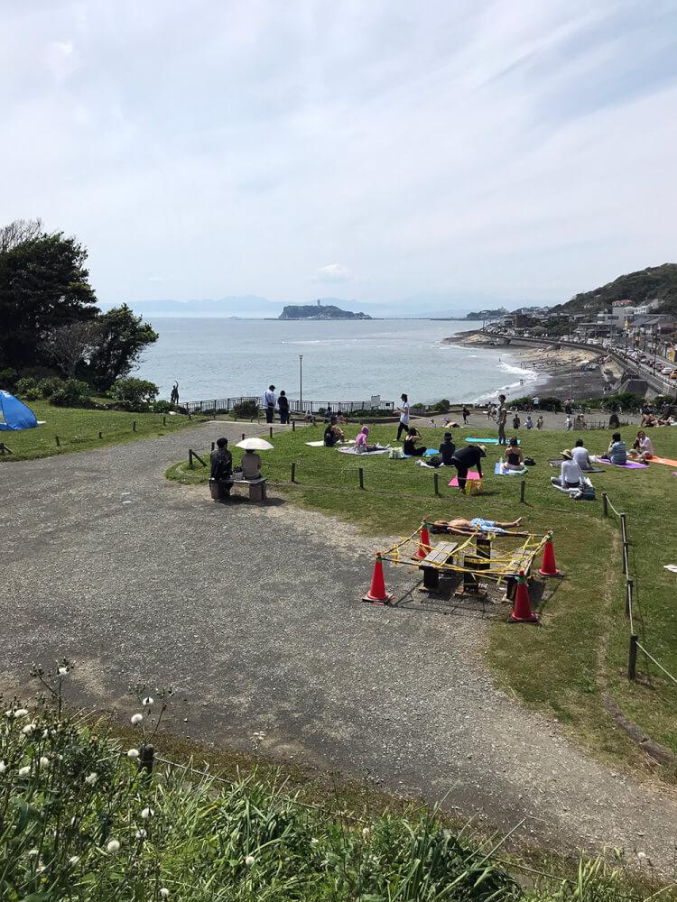 江ノ島を見ながらヨガ教室