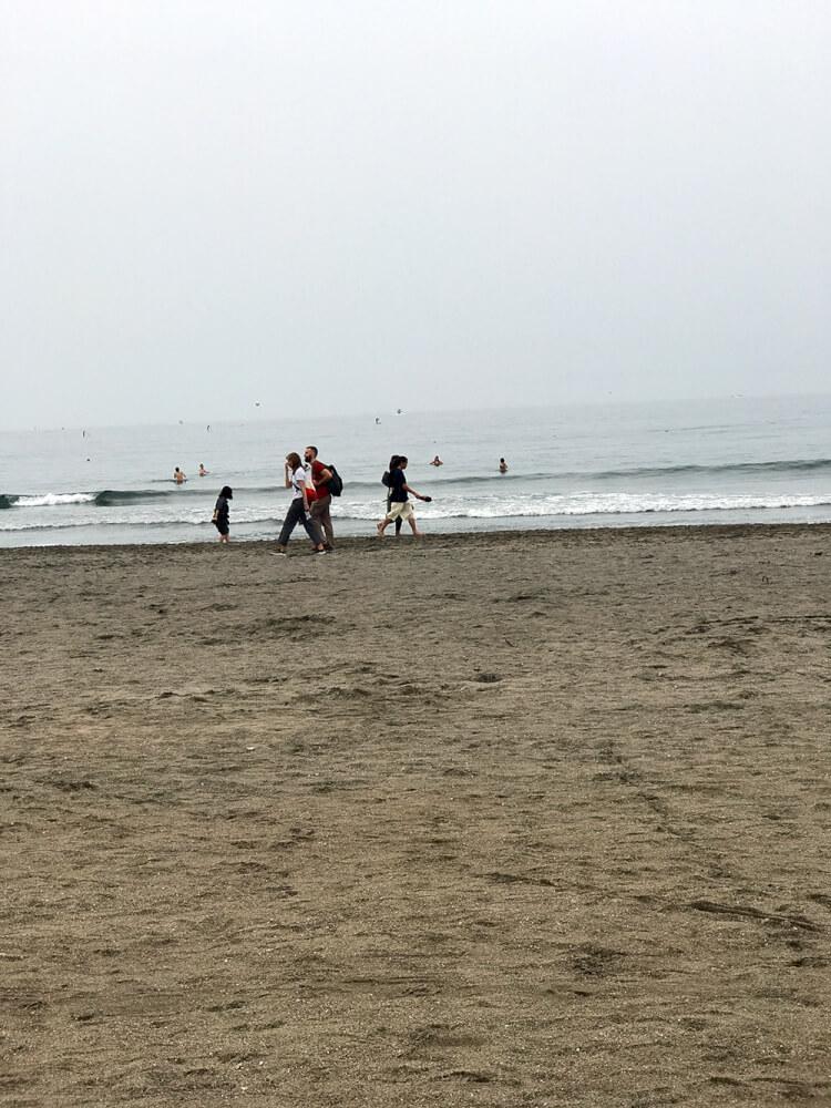 閑散とした由比ヶ浜