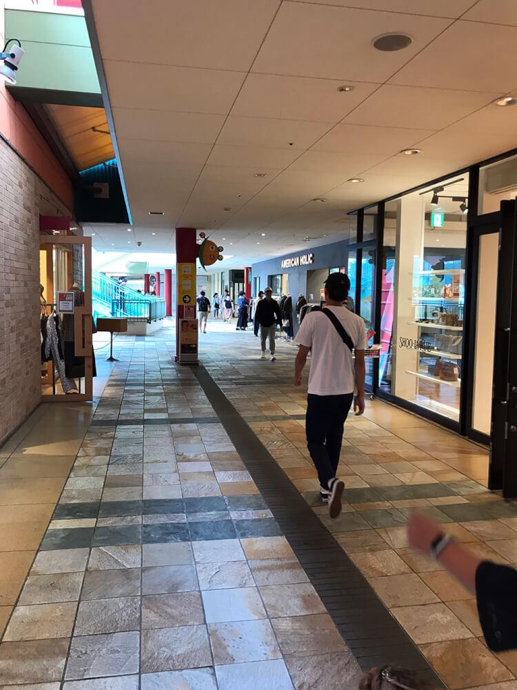 ビナウォーク回廊